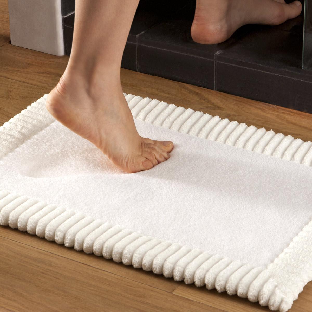 Bath mat Chenille Blanc | Bath linen | Tradition des Vosges