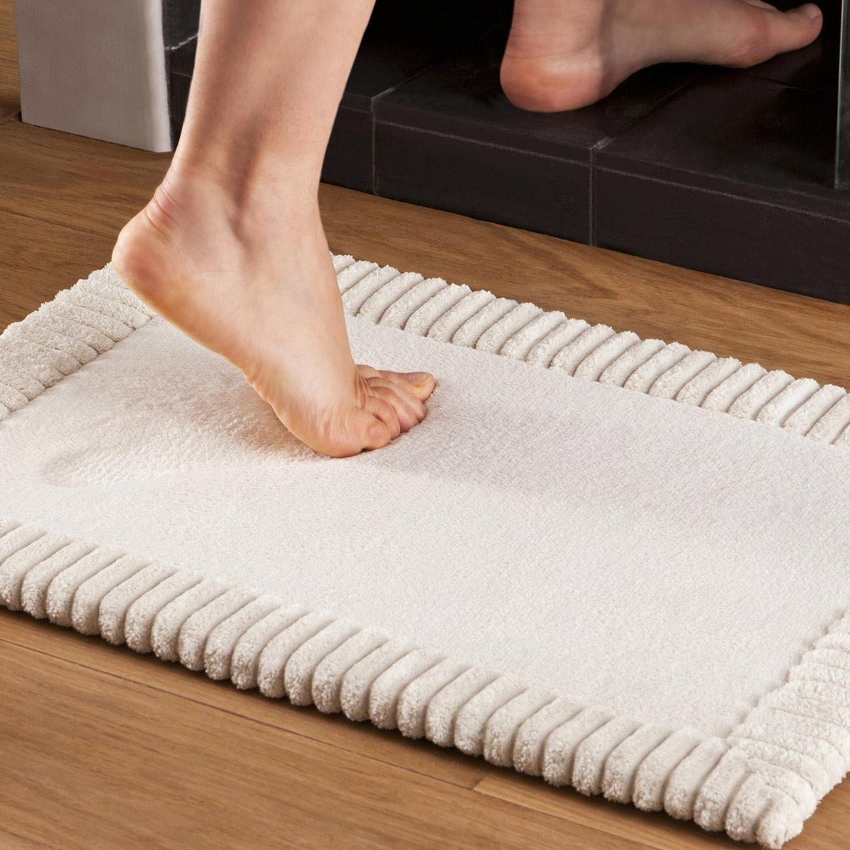 tapis bain chenille beige linge de maison tradition des vosges - Tapis Salle De Bain