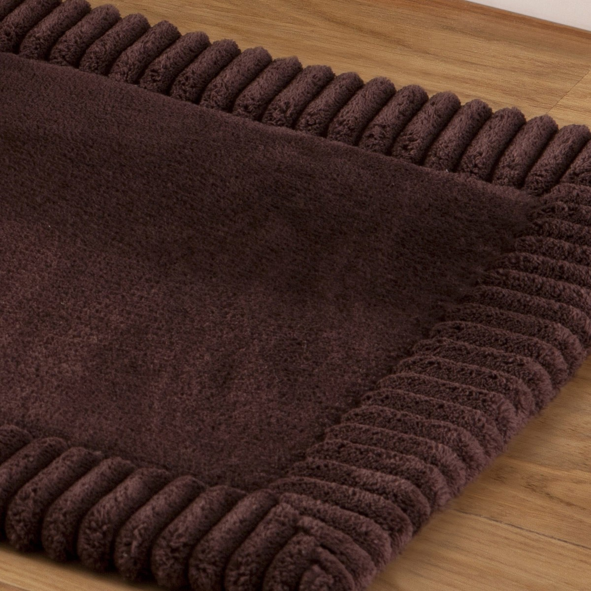 tapis bain chenille marron tapis salle de bain tradition des vosges. Black Bedroom Furniture Sets. Home Design Ideas