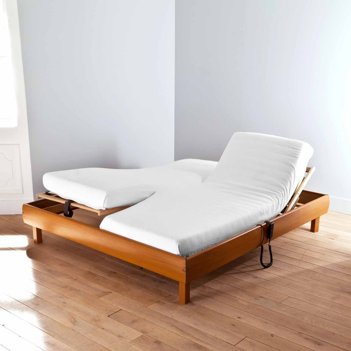 Antibacterial Fitted Sheet Mattress Protector for Twin Bed | Linge de lit | Tradition des Vosges