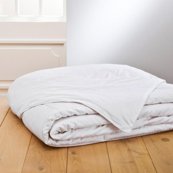 couette 30 duvet canard 70 plumettes linge de maison de qualit tradition des vosges. Black Bedroom Furniture Sets. Home Design Ideas