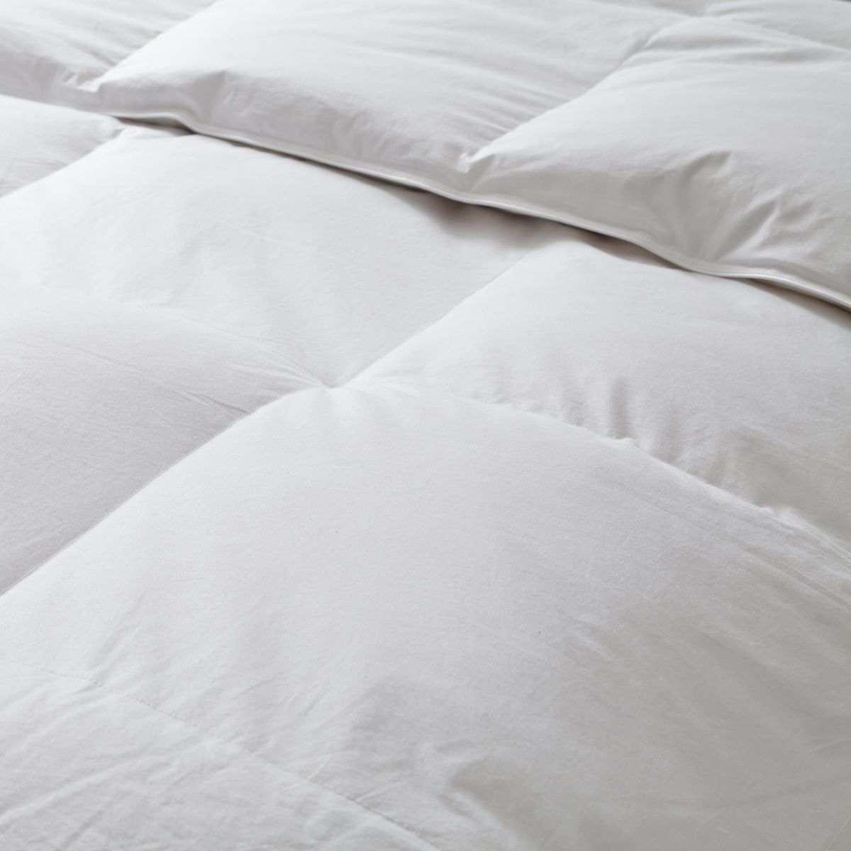 couette 30 duvet canard couette naturelle tradition. Black Bedroom Furniture Sets. Home Design Ideas