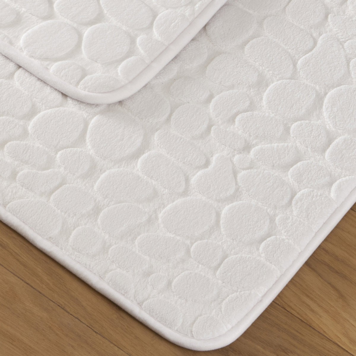tapis bain galet blanc linge de maison de qualit tradition des vosges. Black Bedroom Furniture Sets. Home Design Ideas