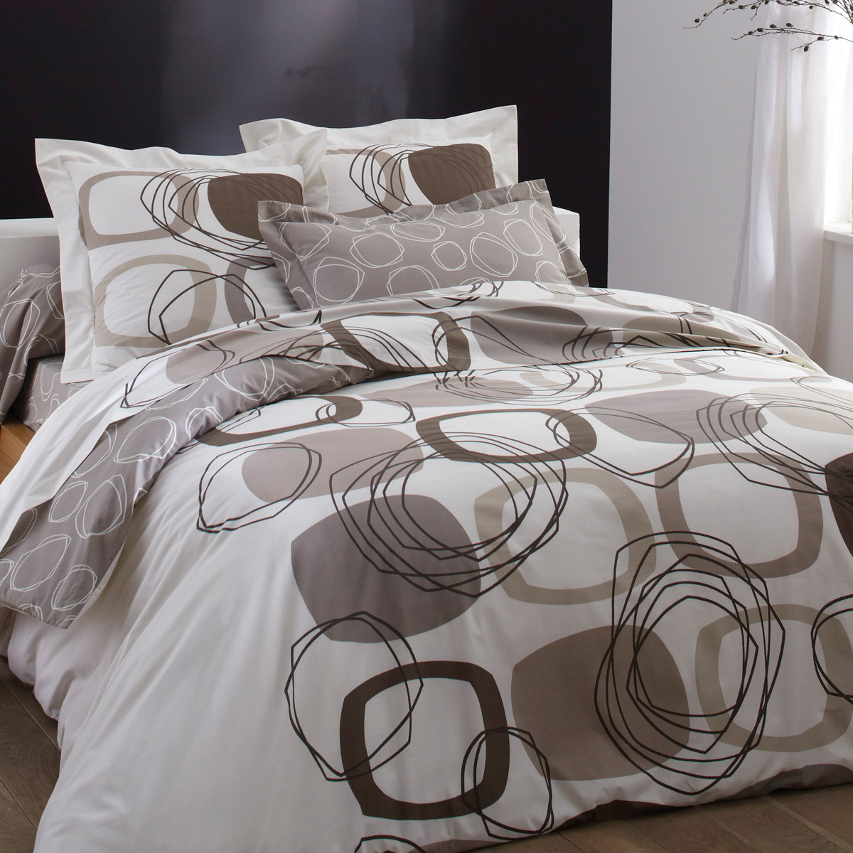 parure housse de couette 240x260 vision parure de couette juliette 100 coton 1 housse de. Black Bedroom Furniture Sets. Home Design Ideas