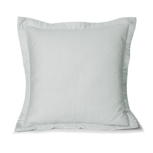 Idylle quilted pillow