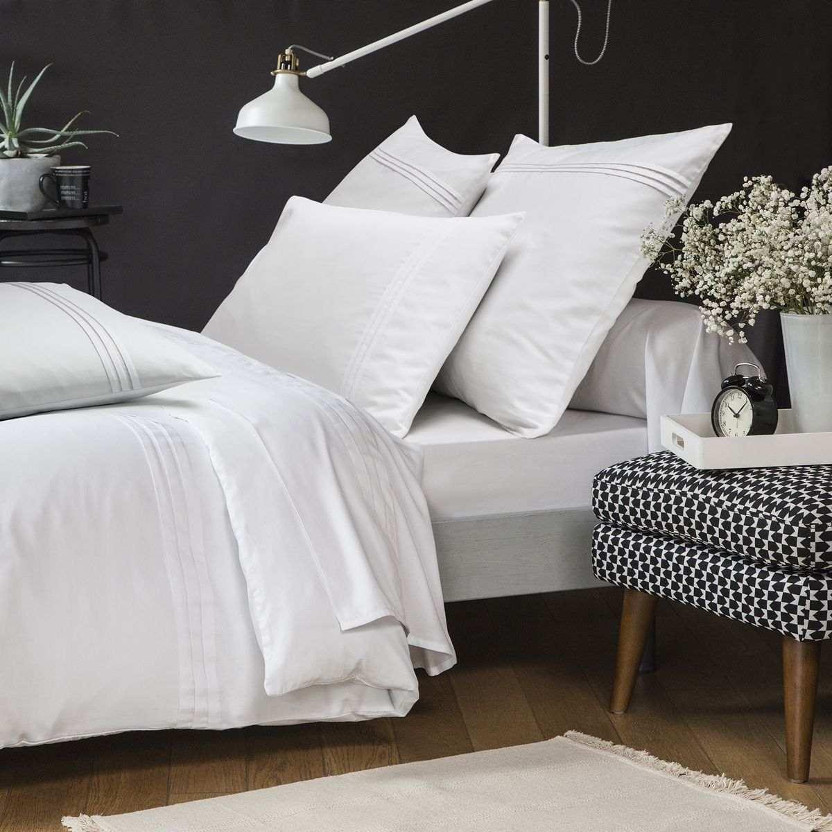 Taie d'oreiller Renaissance Blanc | Linge de lit satin de coton | Tradition des Vosges