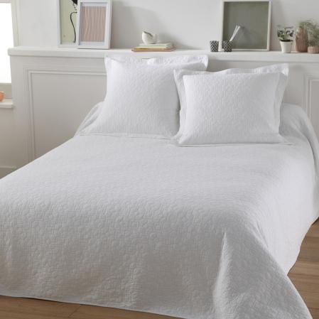 dessus de lit et couvertures tradition des vosges tradition des vosges. Black Bedroom Furniture Sets. Home Design Ideas